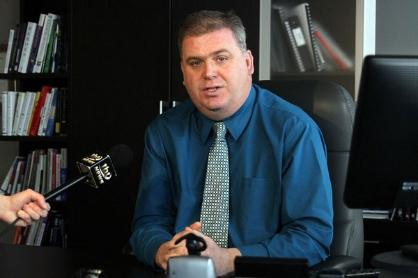 Superior North EMS chief Norm Gale intends on Monday to ask city council to begin the process of asking the province to shift control of the dispatch centre to his operation, similar to agreements in Toronto and Ottawa.