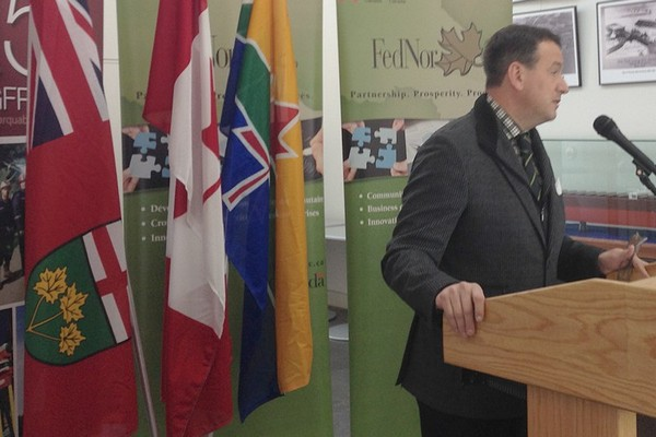 MP Greg Rickford speaks in Thunder Bay Thursday morning.