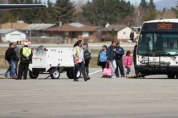 FILE -- Evacuees from Kashechewan First Nations arrive in Thunder Bay. The residents of the remote, far north community were forced from their homes over the weekend due to flooding conditions.