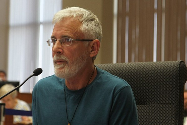 Robert Rickards speaks to city council Monday night.