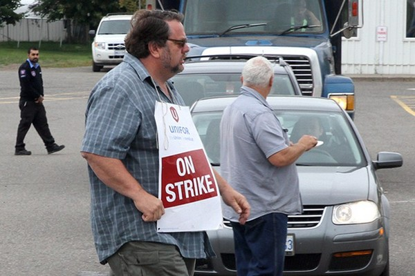 riking Bombardier workers are expected to be back at the bargaining table with the company on Tuesday.